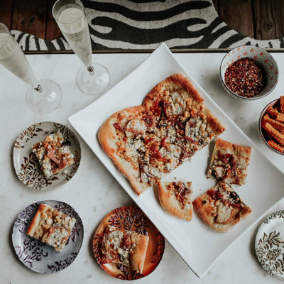 30 Minute Pear, Gorgonzola & Prosciutto Pizza
