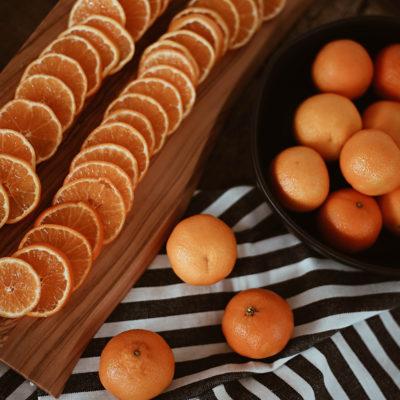 DIY Mandarin, Cranberry & Cinnamon Garland