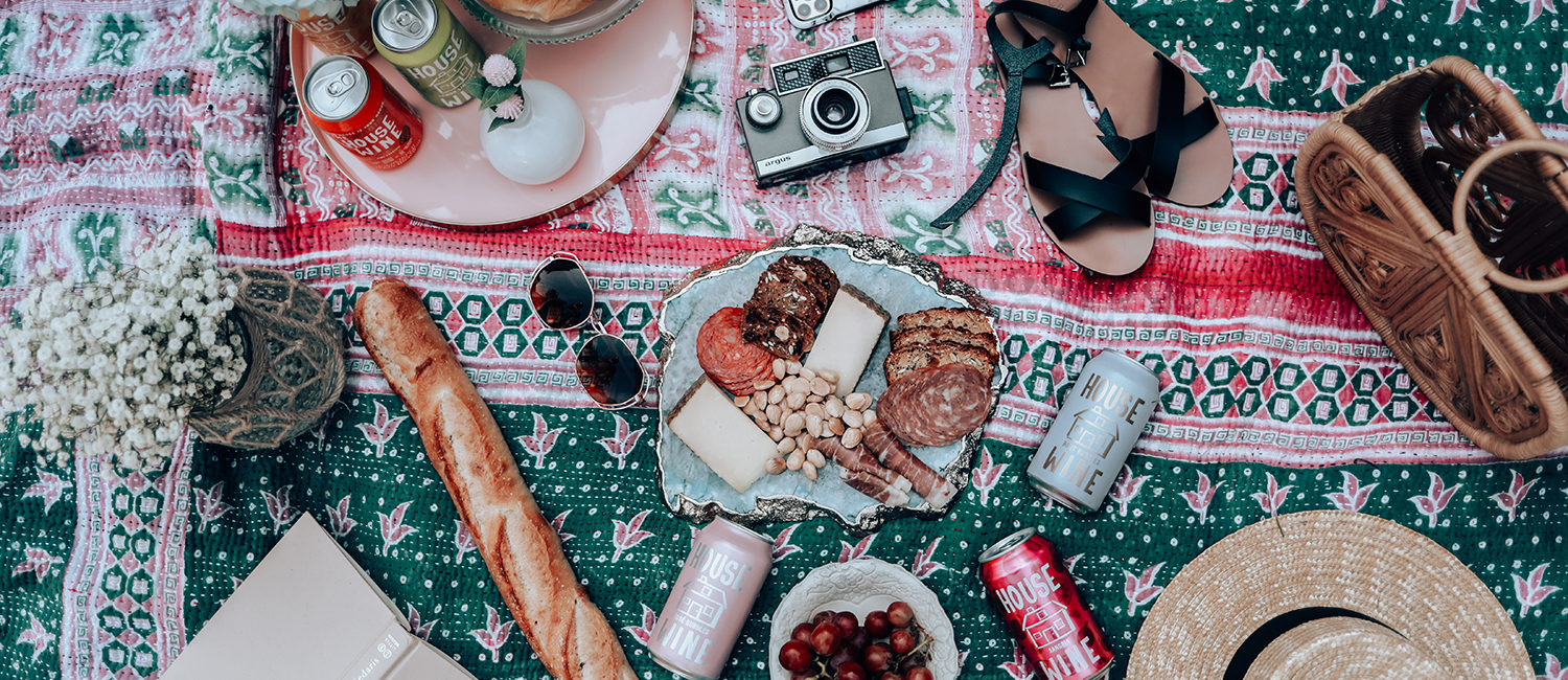 Tips for Throwing A Social Distancing Picnic